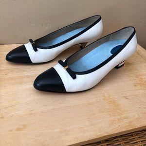 Ferragamo White/Navy Shoes Low Heel